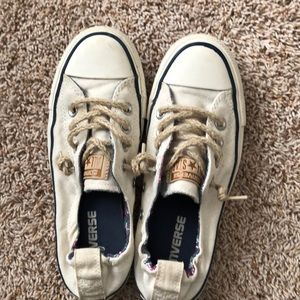 Converse sneakers size 5.5